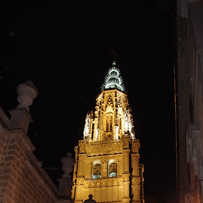 torre-catedral-noche